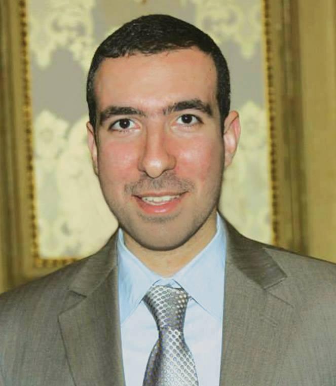 الأستاذ علي عبد المطلب